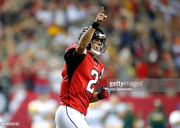 Atlanta Falcons quarterback Matt Ryan reacts after throwing the game tying touchdown late in an NFL football game between the Green Bay Packers and...