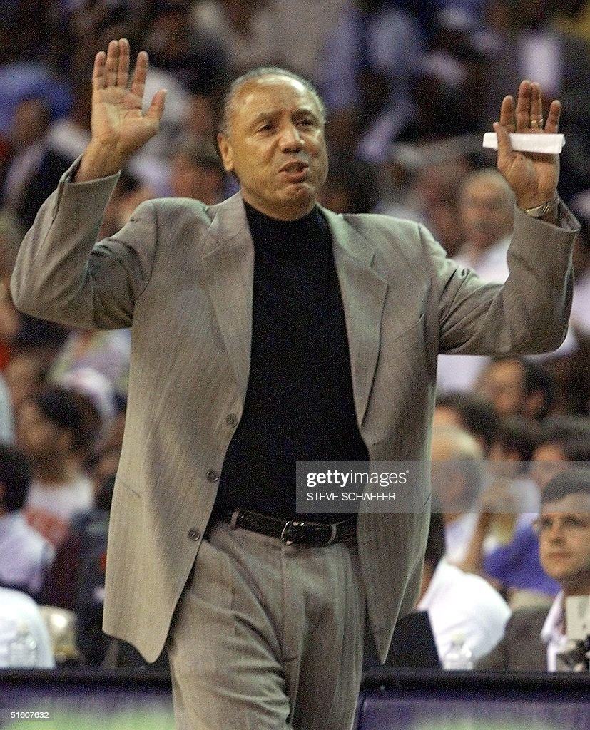 Atlanta Hawks head coach Lenny Wilkens