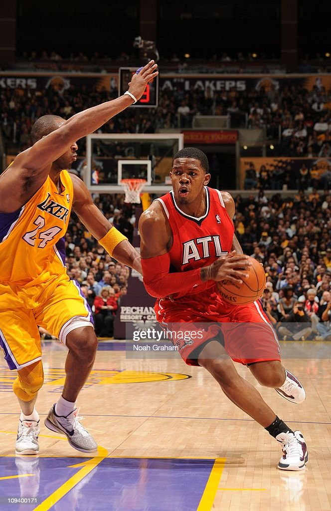 Atlanta Hawks shooting guard <a gi-track='captionPersonalityLinkClicked' href=/galleries/search?phrase=Joe+Johnson+-+Basketball+Player&family=editorial&specificpeople=201652 ng-click='$event.stopPropagation()'>Joe Johnson</a> #2 drives to the basket during the game against the Los Angeles Lakers at Staples Center on February 22, 2011 in Los Angeles, California. The Lakers won 104-80.