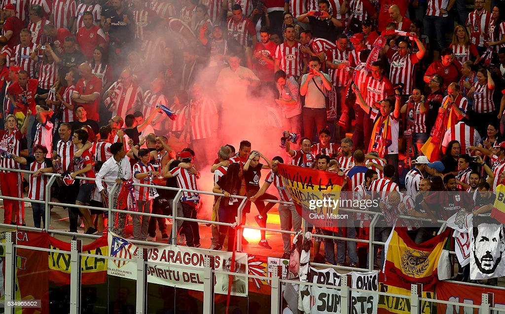 Atletico de Madrid fans celebrate the equalising goal during the UEFA Champions League Final match between Real Madrid and Club Atletico de Madrid at Stadio Giuseppe Meazza on May 28, 2016 in Milan, Italy.