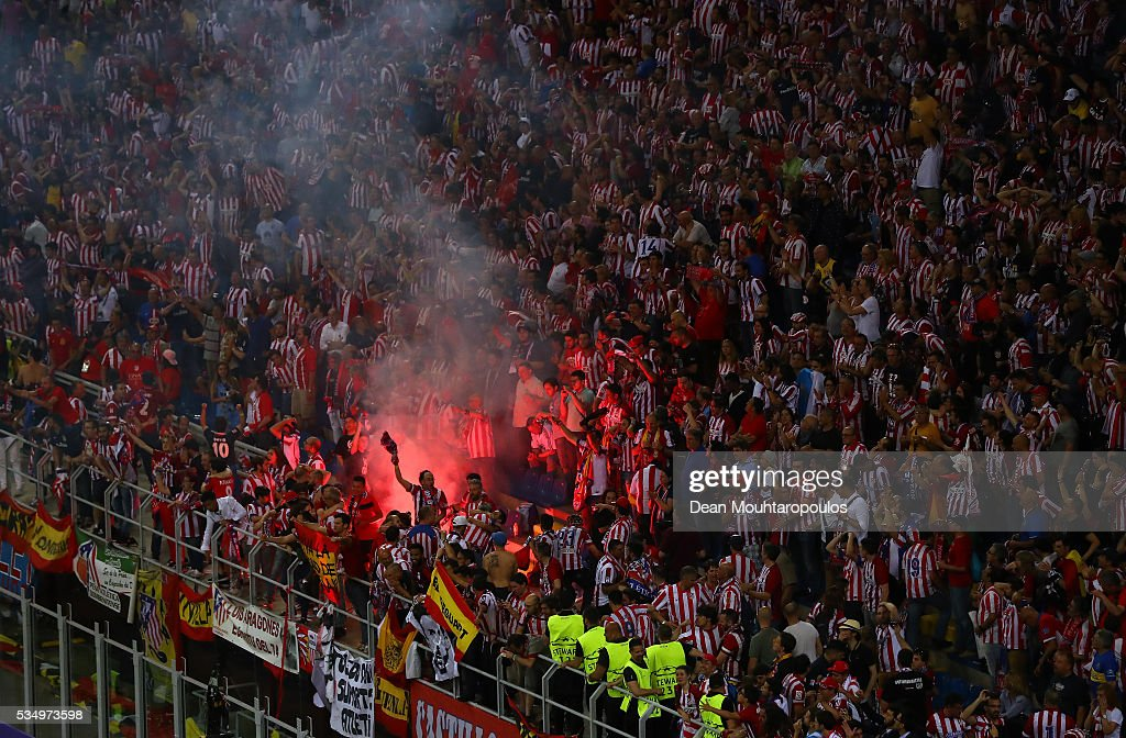 Atletico de Madrid fans celebrate the equalizing goal during the UEFA Champions League Final match between Real Madrid and Club Atletico de Madrid at Stadio Giuseppe Meazza on May 28, 2016 in Milan, Italy.