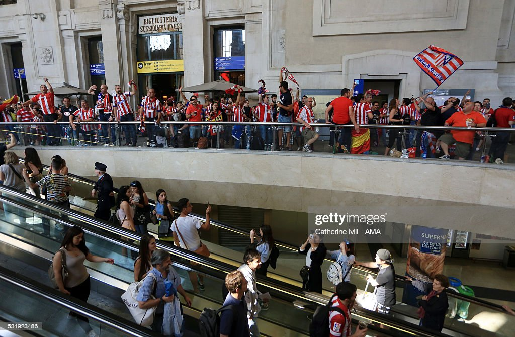 Atletico Madrid fans take over the central station in Milan ahead of the UEFA Champions League Final match between Real Madrid and Club Atletico de Madrid at Stadio Giuseppe Meazza on May 28, 2016 in Milan, Italy. (Photo by Catherine Ivill - AMA/Getty Images