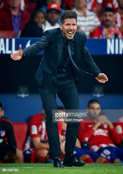 Atletico Madrid manager Diego Pablo Simeone reacts during the La Liga match between Atletico Madrid and Barcelona at Estadio Wanda Metropolitano on...