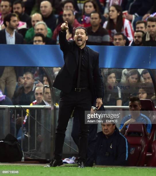 Atletico Madrid's Coach Diego Simeone shouts at his players