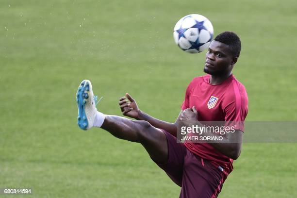 Atletico Madrid's Ghanaian midfielder Thomas Partey controls the ball during a training session at the Vicente Calderon stadium in Madrid on May 9...