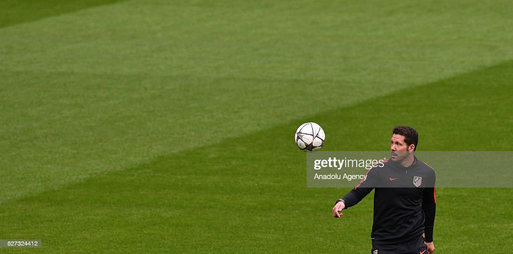 Atletico's coach Diego Simeone attends a training session prior to the Champions League semifinal second leg soccer match between FC Bayern Munich and Atletico Madrid in Munich, Germany on May 2, 2016..