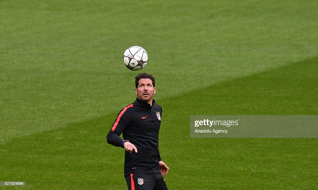 Atletico's coach Diego Simeone attends a training session prior to the Champions League semifinal second leg soccer match between FC Bayern Munich and Atletico Madrid in Munich, Germany on May 2, 2016.