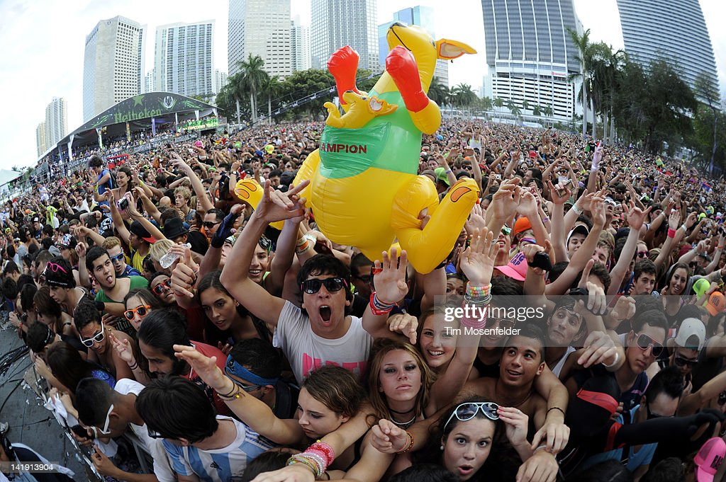 Atmosphere as Fedde Le Grand performs at Day Three of Ultra Music Festival 14 at Bayfront Park on March 25, 2012 in Miami, Florida.