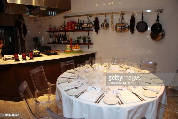 Atmosphere at Epicurious 15th Anniversary Dinner at Eataly on September 29 2010 in New York *** Local Caption **