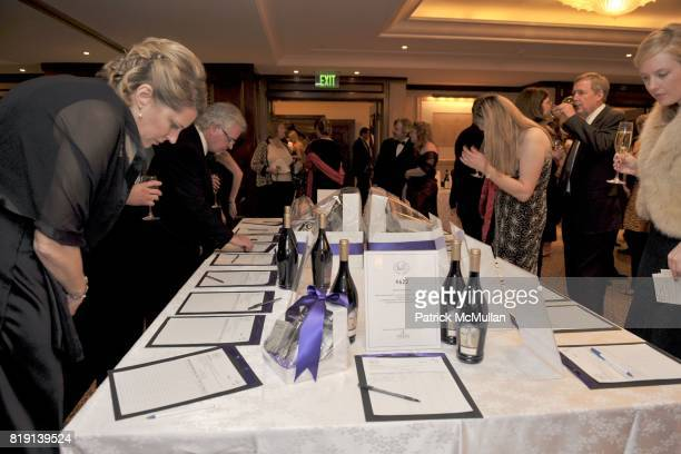Atmosphere at JUNIOR LEAGUE LEGACY BALL HONORING HENRY WINKLER at Montage Hotel on March 6 2010 in Beverly Hills California