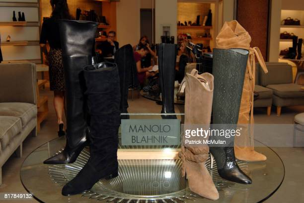 Atmosphere at Manolo Blahnik In Person at Neiman Marcus at Neiman Marcus on October 7 2010 in Beverly Hills California