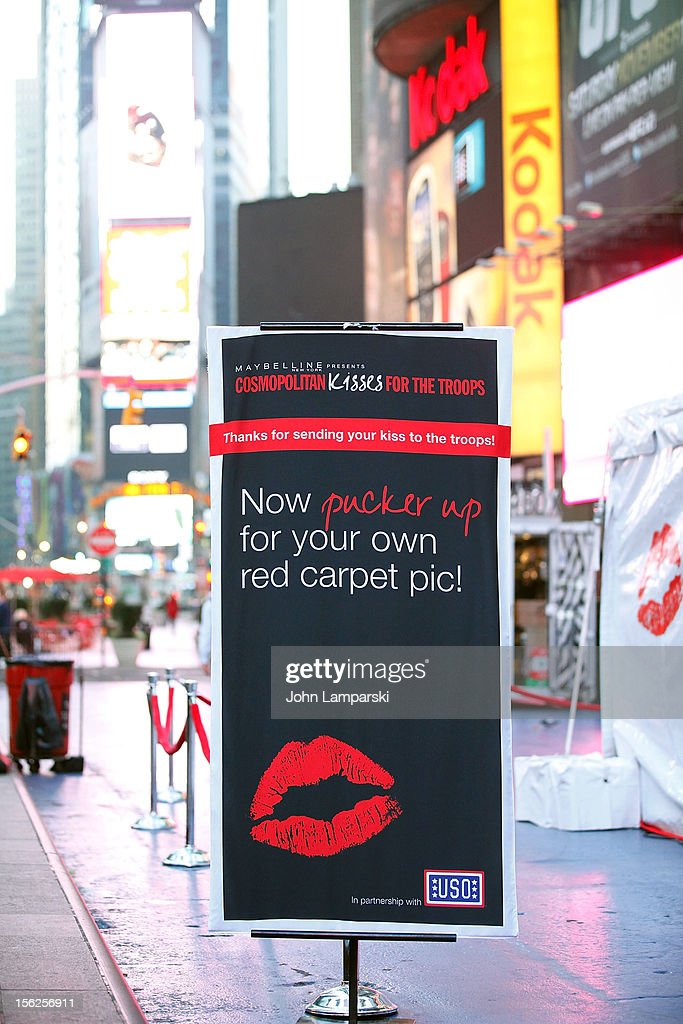Atmosphere at the 2012 Kisses For The Troops at Times Square on November 12, 2012 in New York City.