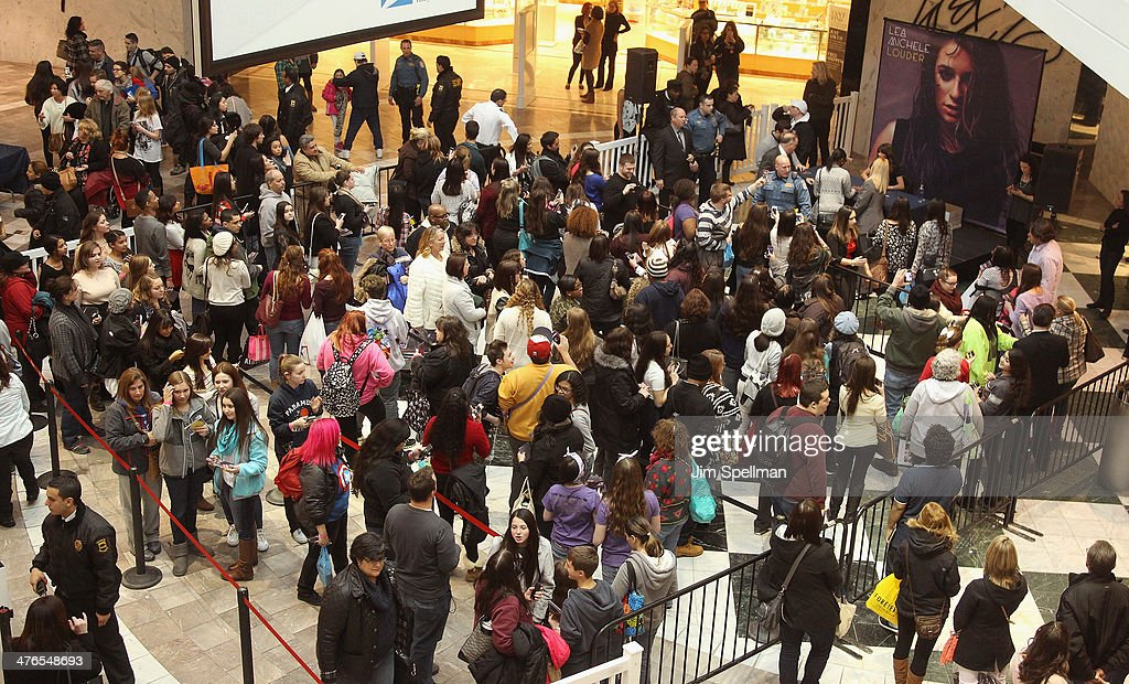 Atmosphere at the Lea Michele 'Louder' signing at Westfield Garden State Plaza Mall on March 3, 2014 in Paramus, New Jersey.