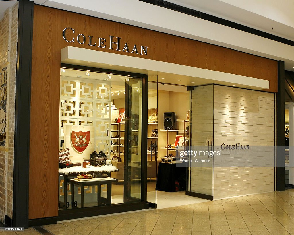 Cole Haan, Women at softmyconro.ga, offering the modern energy, style and personalized service of The Bay stores, in an enhanced, easy-to-navigate shopping experience.