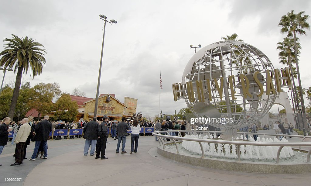 Atmosphere during Donald Trump Recruiting Search for the Next 'Apprentice' at Universal Studios Hollywood at Universal Studios in Los Angeles...