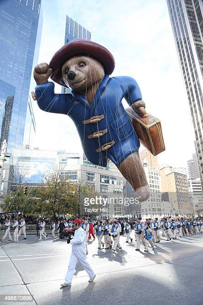 Atmosphere during the 2015 Macy's Thanksgiving Day Parade on Central Park West on November 26 2015 in New York City