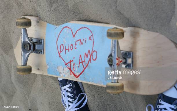 Atmosphere during the beach party to celebrate the release of the new album 'Ti Amo' by Phoenix on June 09 2017 in Venice Beach California