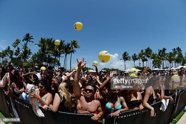 Atmosphere during the Y100 MackAPoolooza held at the Fontainebleau on July 11 2015 in Miami Beach Florida