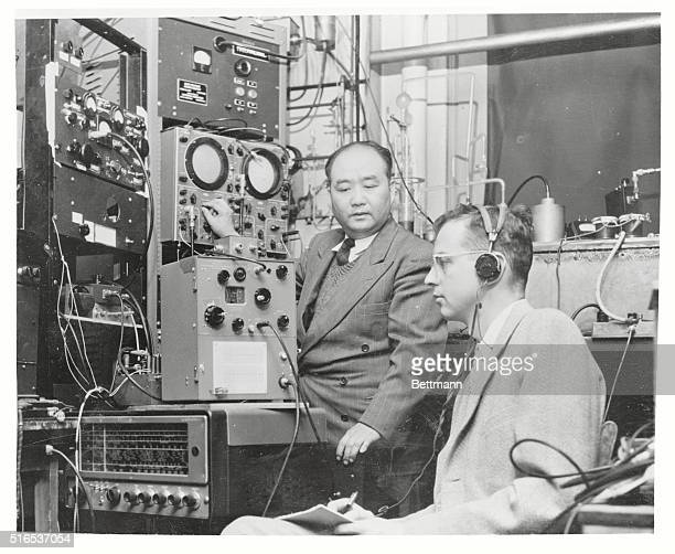 Atomic Clock Clock Readings from the Maser are taken by Dr TC Wang and Dr JP Gordon who helped develop the atomic clock The instrument will find...