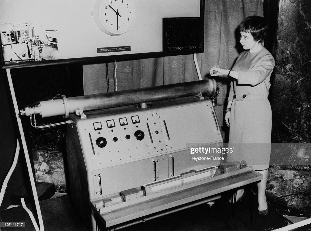 Atomic Clock Exposed At Pendulum Atom Exhibition At Goldsmiths' Hall On October 1958.