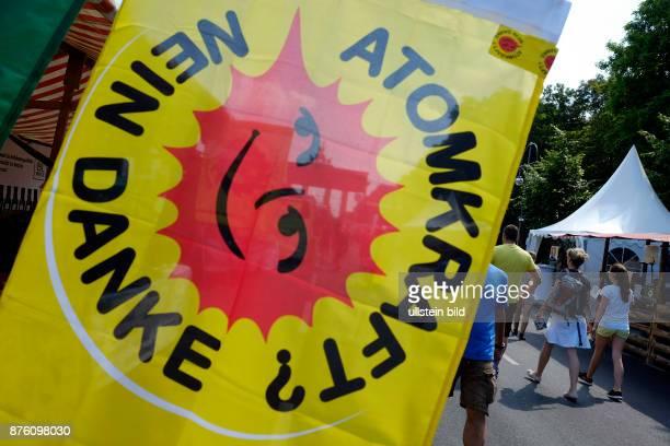 Atomkraft Nein Danke Umweltfestival auf der Strasse des 17 Juni in Berlin