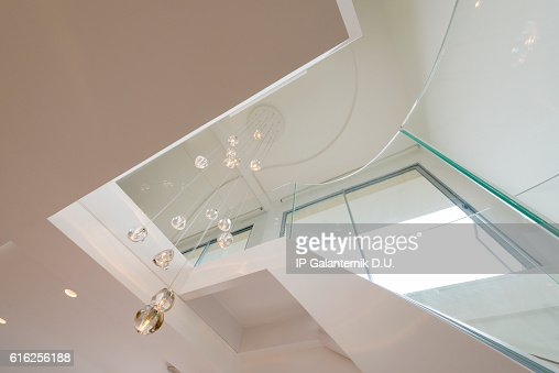 Atrium white interior with spiral staircase : Foto de stock