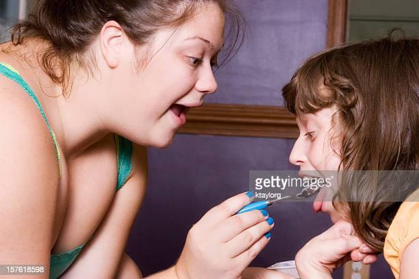 Raumpfleger Füttern besondere Bedürfnisse Kind