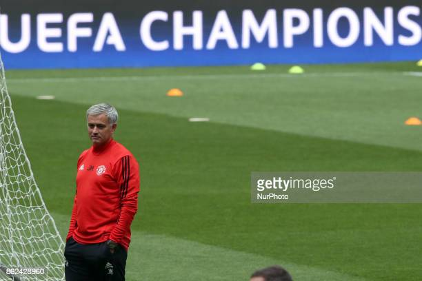 attends a training session at the Luz stadium in Lisbon Portugal on October 17 on the eve of the UEFA Champions League football match SL Benfica vs...