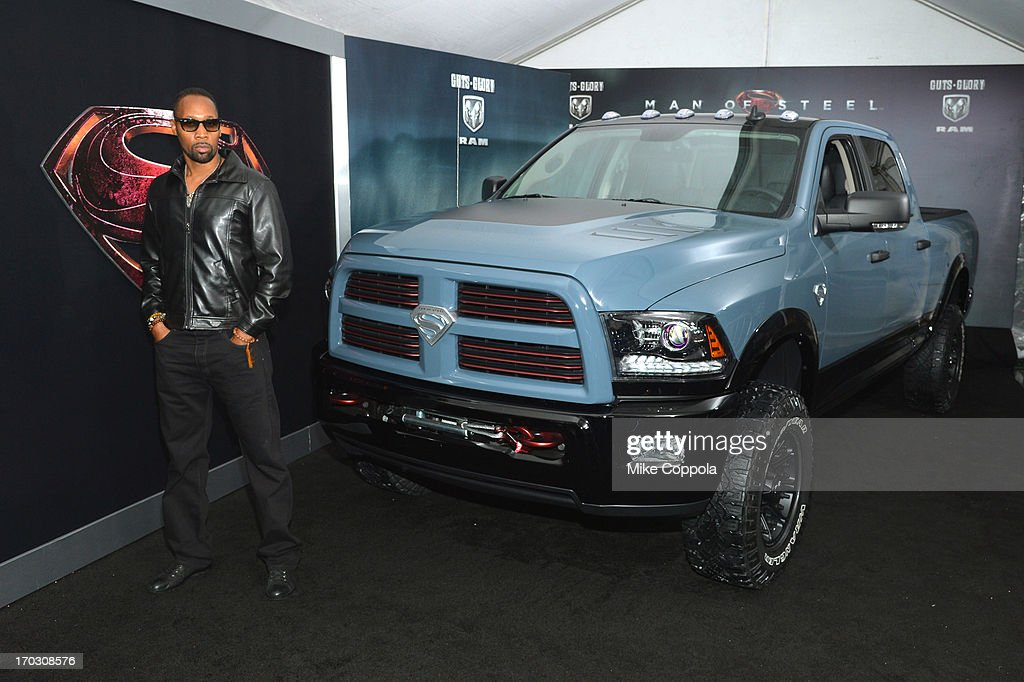 <a gi-track='captionPersonalityLinkClicked' href=/galleries/search?phrase=RZA&family=editorial&specificpeople=220318 ng-click='$event.stopPropagation()'>RZA</a> attends the 'Man of Steel' NYC premiere sponsored by RAM at Alice Tully Hall at Lincoln Center on June 10, 2013 in New York City.