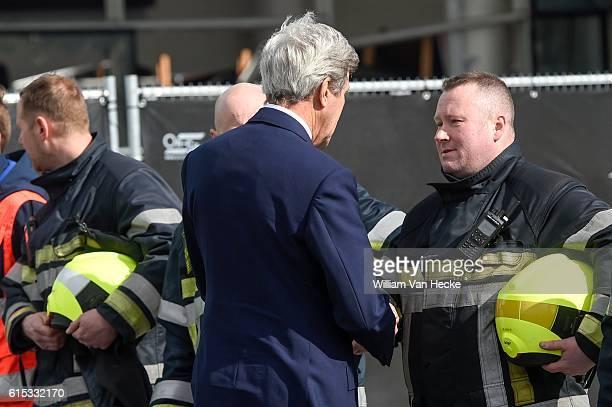 visite du Secrétaire d'Etat des EtatsUnis John Kerry à l'aéroport de Brussels Airport Aanslagen van Brussel bezoek an Brussels Airport van minister...