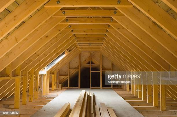 Espace attique, nouvellement construit maison