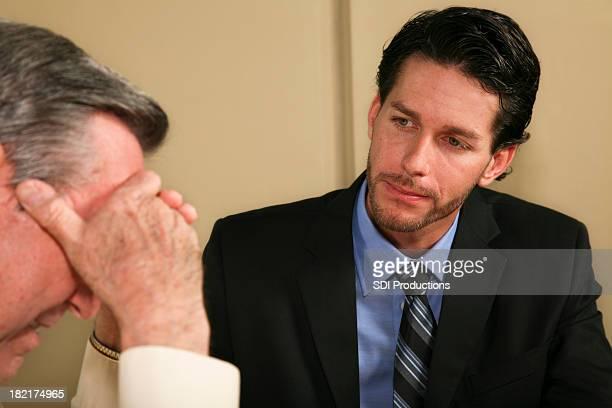 Attorney komfortable sein verärgert Kunden