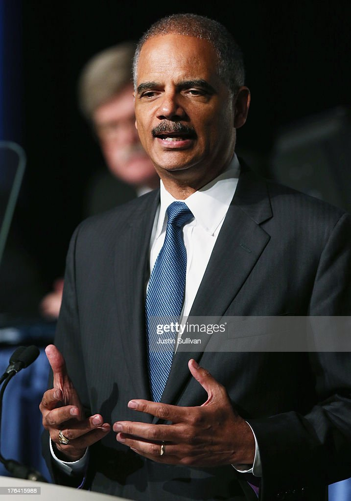 Attorney General Eric Holder Announces Changes In Prosecution Of Low Level Drug Offenders