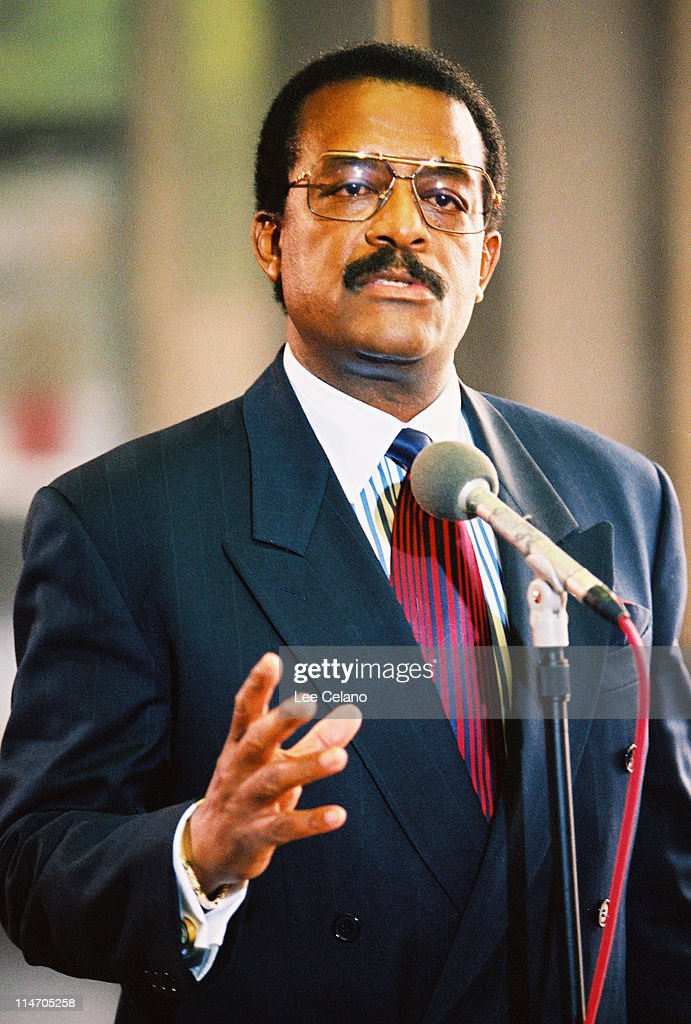 johnnie cochran If you thought the tension that played out on fx's american crime story : the people v oj simpson between lawyers robert shapiro and johnnie cochran was juicy, then you are going to love this.