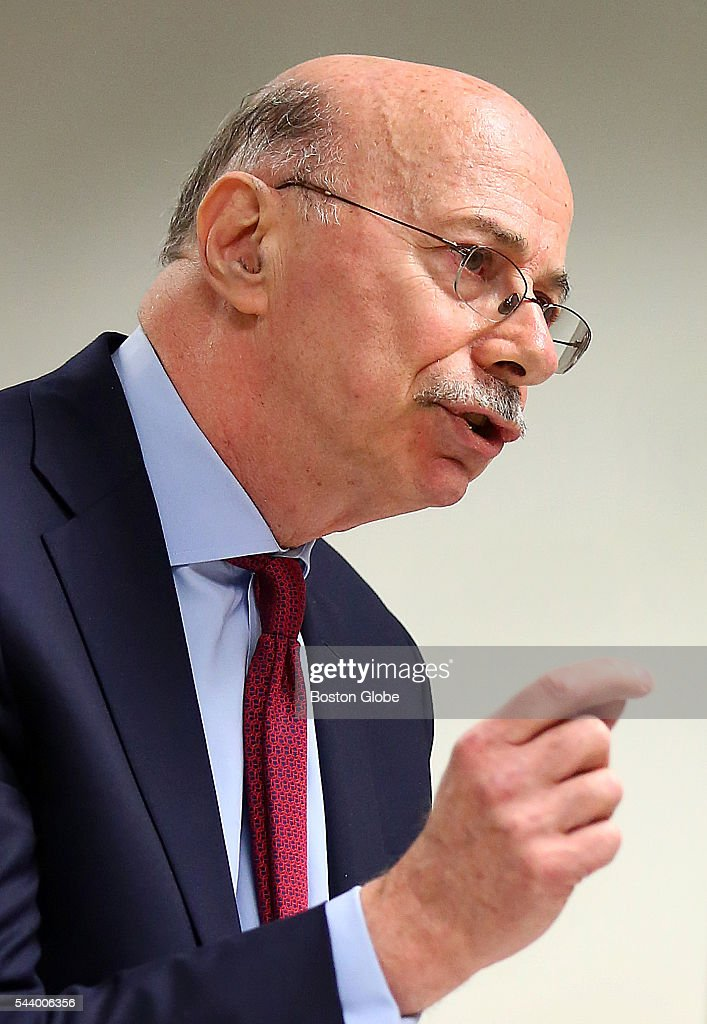 Attorney Les Fagen addresses Judge George Phelan. He represents Philippe Dauman and George S. Abrams. Attorneys representing various factions of Sumner M. Redstone's family argue over who should gain control of his media companies, in Norfolk County Probate Court in Canton, Mass., on June 30, 2016.