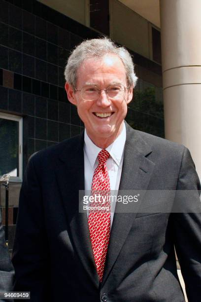 Attorney Max Hendrick III from the law firm Vinson Elkins leaves the Bob Casey Federal Courthouse after testifying for the defense during the fraud...