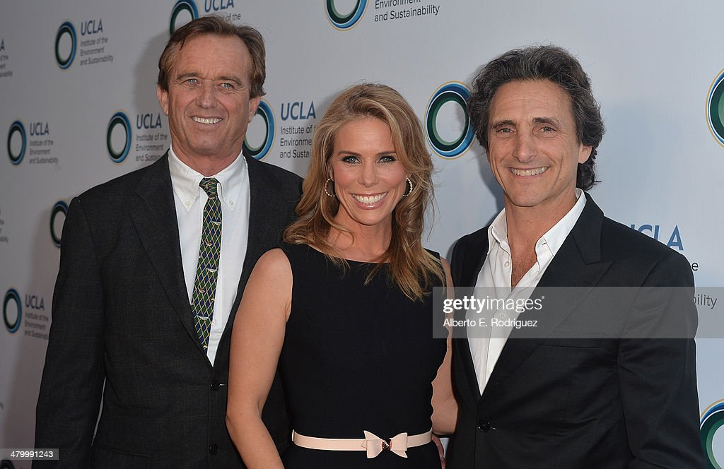 Attorney Robert F. Kennedy, Jr., actress <a gi-track='captionPersonalityLinkClicked' href=/galleries/search?phrase=Cheryl+Hines&family=editorial&specificpeople=209249 ng-click='$event.stopPropagation()'>Cheryl Hines</a> and producer <a gi-track='captionPersonalityLinkClicked' href=/galleries/search?phrase=Lawrence+Bender&family=editorial&specificpeople=206529 ng-click='$event.stopPropagation()'>Lawrence Bender</a> attend An Evening of Environmental Excellence presented by the UCLA Institute of the Environment and Sustainability on March 21, 2014 in Beverly Hills, California.