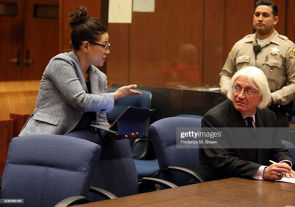 Attorney Shawn Chapman Holley and attorney Thomas Mesereau in Los Angeles court during a pretrial hearing for Marion 'Suge' Knight at the Clara...