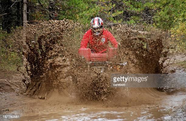 Atv dans la boue