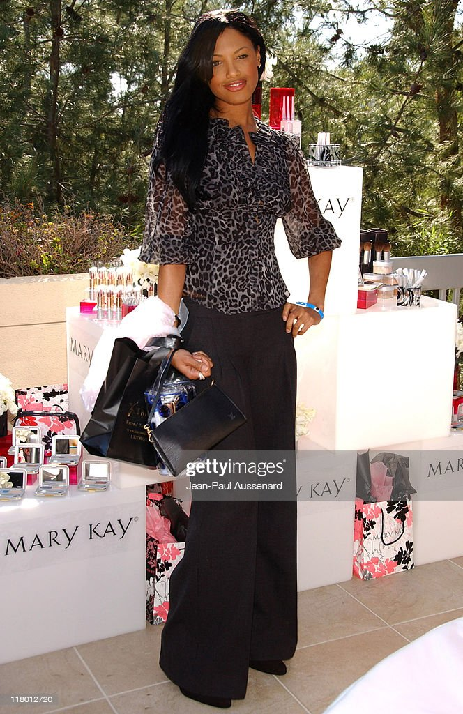 <a gi-track='captionPersonalityLinkClicked' href=/galleries/search?phrase=K.D.+Aubert&family=editorial&specificpeople=762632 ng-click='$event.stopPropagation()'>K.D. Aubert</a> at Mary Kay during 2007 Silver Spoon Golden Globes Suite - Day 2 in Los Angeles, California, United States. (Photo by Jean-Paul Aussenard/WireImage for Silver Spoon (formerly The Cabana))