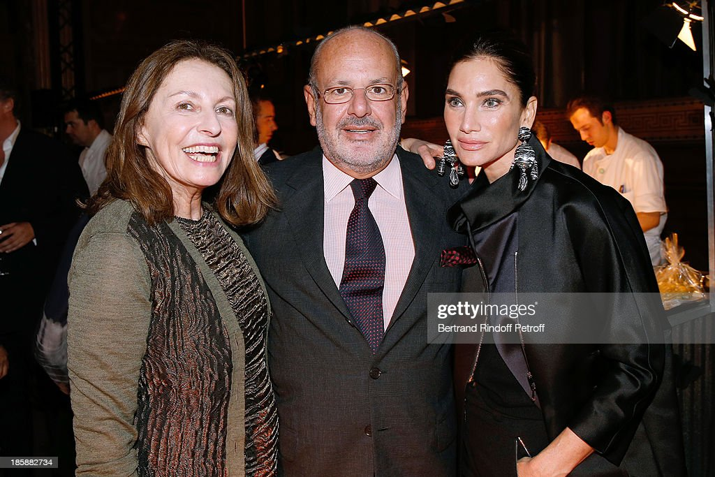 Auctioneer Daniella Luxembourg with Maurice Amon and his wife Tracey Amon - Designer Alber Elbaz pays tribute to Cesar Baldaccini by an Evening Pic-Nic at the Ecole Nationale Superieure des Beaux Arts de Paris on October 25, 2013 in Paris, France.