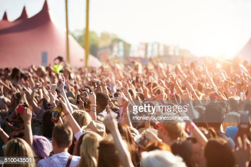 Audiencia At Outdoor Music Festival : Foto de stock