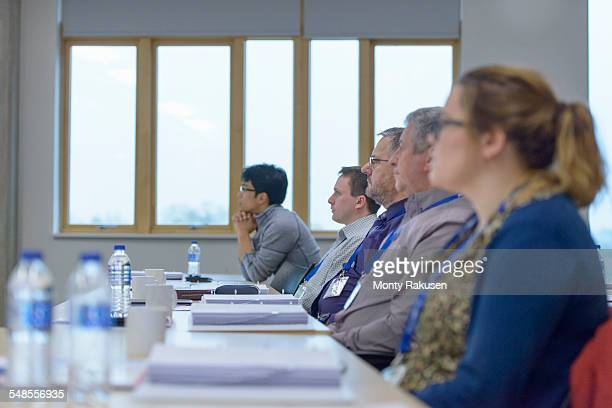 Audience listening in seminar lecture