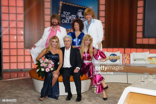 Audrey Landers Guenther Jauch Barbara Schoeneberger Frank Elstner Michelle Hunziker and Thomas Gottschalk during the photo call for TV Show 'Top die...