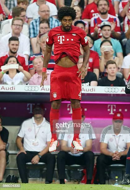 Auf dem Absprung Dante FC Bayern München verlässt er den FC Bayern FC Bayern München Bayer Leverkusen 30 1 Fussball Bundesliga Saison 2015 / 2016