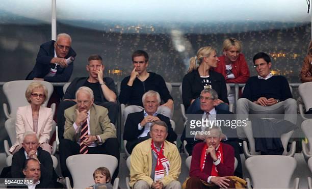 auf der TRibüne FRanz beckenbauer Bastian SCHWEINSTEIGER FC Bayern München Phlipp LAHM FC Bayern München Maria hÖfl Riesch mit Ehemann 1 Bundesliga...