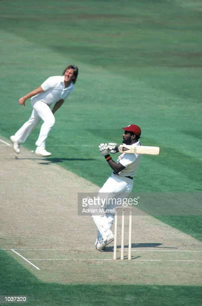 Viv Richards of the West Indies hooks Ian Botham of England during the Fifth Test at the Oval in London Mandatory Credit Adrian Murrell /Allsport