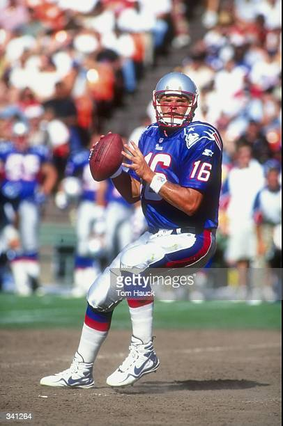 Quarterback Scott Zolak of the New England Patriots in action during a preseason game against the San Francisco 49ers at the 3Com Park in San...