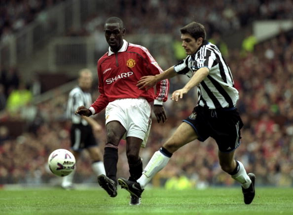 Andy Cole and Aaron Hughes : News Photo