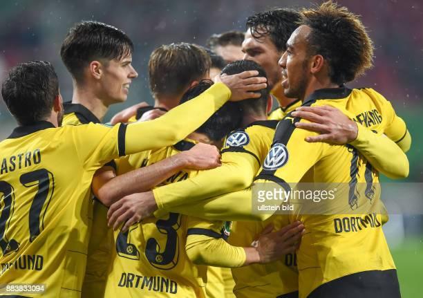 FUSSBALL DFB FC Augsburg Borussia Dortmund 2 mit Gonzalo Castro Julian Weigl Shinji Kagawa Henrikh Mkhitaryan und PierreEmerick Aubameyang